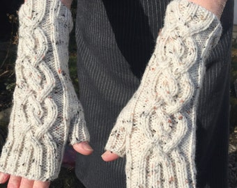 Neutral Fingerless Mittens,Mittens,Mitts,Fingerless Gloves,Handknitted Mittens,Handknitted Gloves,Gloves,Cable Pattern Mittens,Wrist Warmers