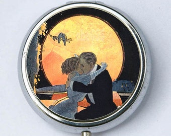 Art Deco Couple Kissing pillbox PILL CASE BOX holder moonlight