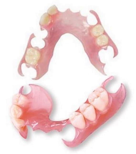 upper-dentures-and-oral-sex