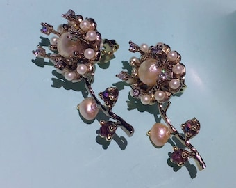 Abnormal Shape Pearl Flower Earrings with Zircon and Alloy