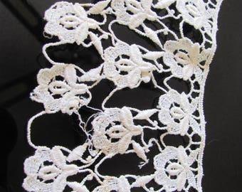 Fabulous 1 Yard wide Cream Antique Lace