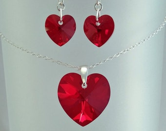Red Swarovski Jewellery Set, Christmas Present. Red Heart Pendant, Red Crystal Earrings, Bridal Wedding Jewelry, Gift For Her Under 25.