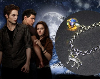 Bella's Bracelet with charms wolf and heart