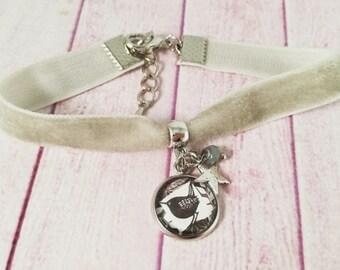 Grey velvet bracelet, pendant bracelet, cabochon, Paisley cameo