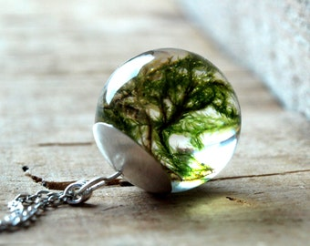 Real moss necklace,Moss necklace,Moss pendant,Resin moss sphere necklace,Terrarium necklace,real plant jewelry,Botanical,Nature jewelry