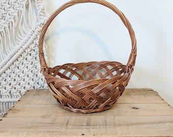 Easter Basket/ Flower Basket / Round Basket with Handle