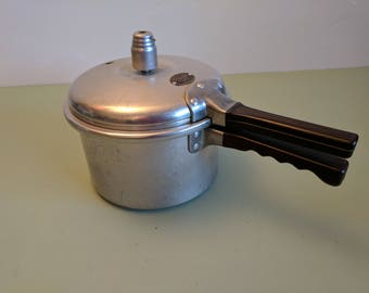 PRESTO Cook-Master pressure cooker Model 60 4 qt