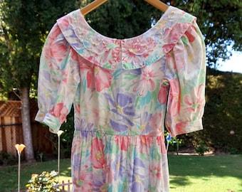 70's 80's Lanz Floral Dress, Mid Length Dress, Spring Dress, Summer Dress, Conservative Lanz Sun Dress, Short Sleeve Dress, Peter Pan Collar