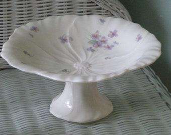 Mikasa Pedestal Dish Purple/Violet flower shape/Ivory Bone China/Lila/lavender soap dish/jewerly dish/candy dish/bath decor/bedroom decor