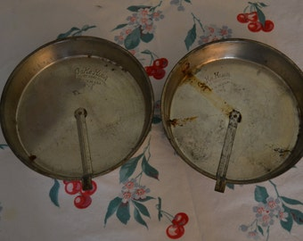 """Set of 2 Bake King 8"""" round with slider cake pans"""