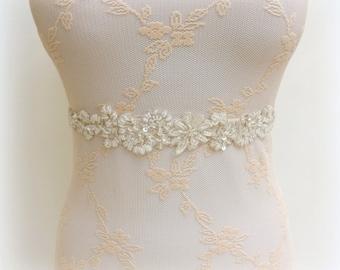Ivory floral lace belt. Elastic waist belt. Embroidered belt. Bridal belt. Dress belt. Beaded belt. Wedding belt.