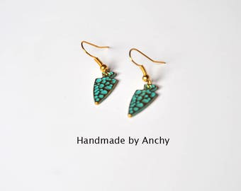 Cute small gold plated dangle earrings with green patina*