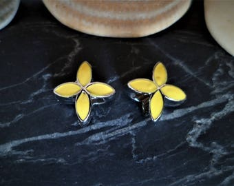 1 Pearl/yellow 10 mm silver plated alloy enamel Charms