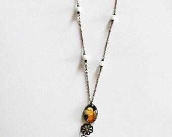 Necklace Frida bronze and white