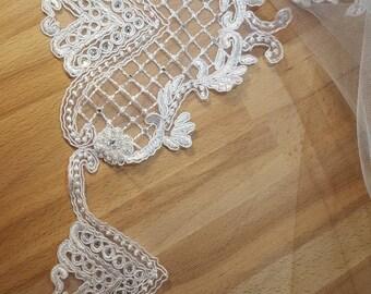 Odette Lace Trim Veil