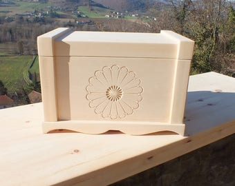 Top case crafted of solid wood (Linden)