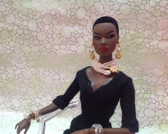 White pearl necklace for FR2, FR6, Fashion Royalty, Barbie, Silkstone doll