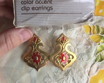NIB Vintage Avon Color Accent Clip Earrings, 1990