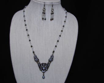 Vintage Look Glass and Antique Brass Necklace and Pierced Earring Set.