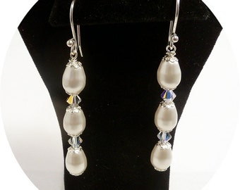 Pearl Earrings, Bridal Pearl Earrings, Bridesmaid Earrings, Pearl Crystal, Pearl Drop Earrings, Wedding Jewelry, Bridal Accessories, Dangle