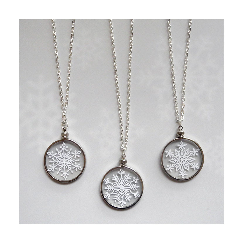silver lily jewellery cnssf snowflake necklace charmed personalised