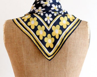 60s scarf - vintage daisy scarf in blue yellow & white