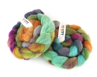 Spinning Fiber - Polwarth Fibre - Hand painted wool for spinning  - PEPPERMIT ROSES