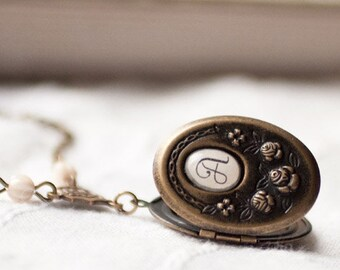 Personalized locket, Bridesmaid locket, Monogram locket necklace, Initial Locket, Oval locket, Locket for girlfriend, Custom locket necklace