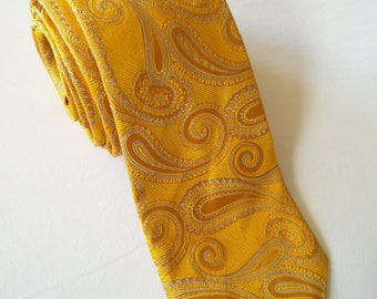 Vintage yellow gold paisley necktie by Gant
