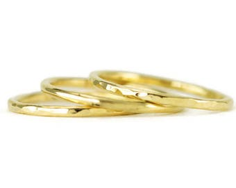 Solid 18k Gold Band - Hammered Gold Wedding Ring - 18k Yellow Gold Stack Ring 1.6mm