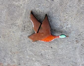 1960s Vintage BIRD Pin Painted Copper Enamel Metal Flying Mallard Duck Bird Brooch Boho Retro Pin Broach 70s Minimal Pin