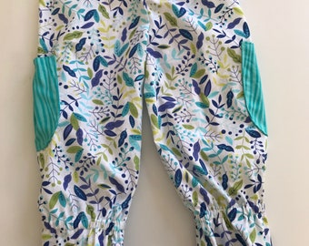 Girls Ruffle Pants with Pockets - size 4T