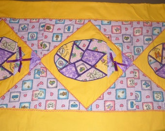 Easter table runner- quilted