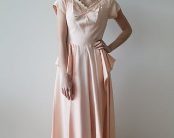 Vintage 1940s Pale Pink Taffeta and Lace Party Dress