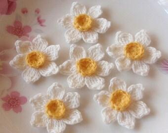 6 Crochet  Flowers (Daffodil) In 1-1/2 inches YH - 122