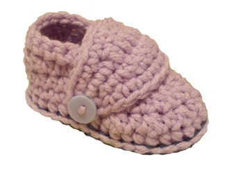 Crochet Pattern PDF  Baby Booties. (Sizes Included: Newborn to 24 months). Permission to sell finished items.