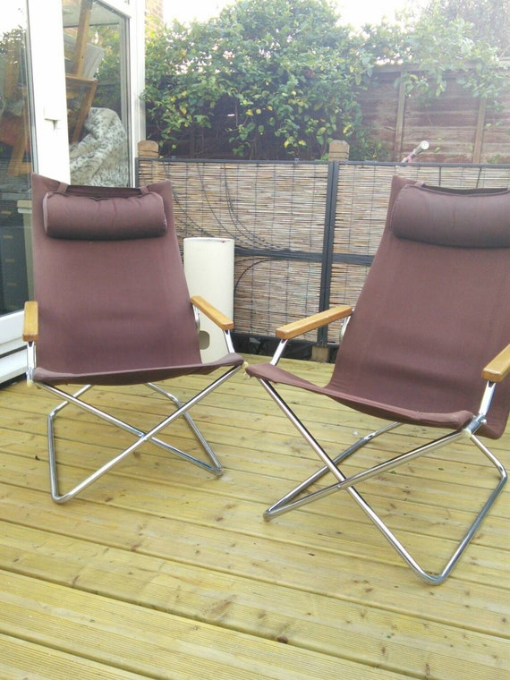 A midcentury folding Z Japanese lounge chair