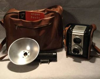 Vintage Argus 40 camera 620 with Flash, manual, and case