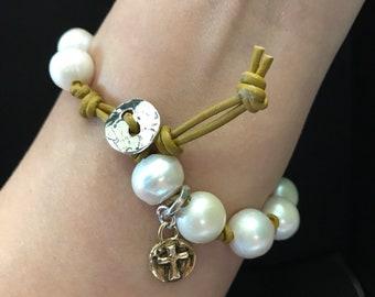 Rosary Pearl Bracelet; Pearl Bracelet with Cross Charm; Leather Bracelet; Religious Bracelet; Cross Bracelet; Faith Leather Bracelet