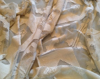 Tablecloth WOW! Extradorinary Thread Lace Beige Tablecloth 96X62 Circa 1910