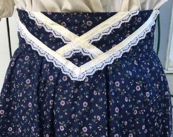Calico Prairie Gunnies skirt. Vintage 9.
