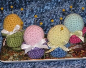 Crocheted Petit Pincushion