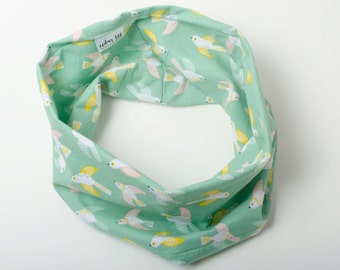 Child's scarf, Kids infinity scarf, Preschooler gift, Bird scarf for child, Kid's birds scarf, Soft green cotton scarf, Little girl scarf