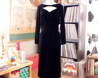 Gigi Young vintage 1950s black silk velvet wiggle dress with front cut out, sweetheart neckline . APPROX womens size medium 36.28.38