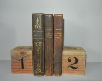 decorative object, two cubes palette acronyms with figure print vintage wood