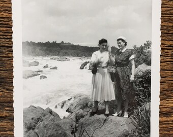 Original Vintage Photograph | Lady Waves