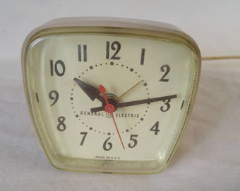 Vintage General Electric Clock, Alarm Clock, Bed Stand Clock