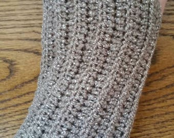 Soft and cozy tan sparkly fingerless gloves. Texting gloves. Driving gloves. Hand crocheted.
