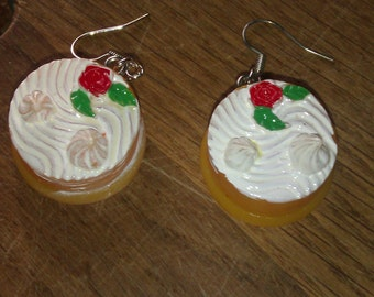 Cute and funny kawaii food pie with whipped cream earrings