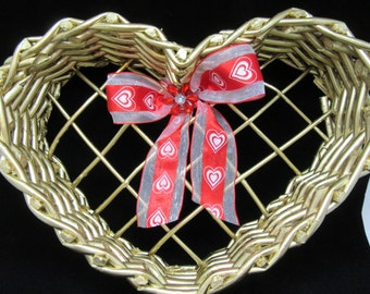 Basket Heart Shaped Vintage Basket Centerpiece Home Decor Country Decor Cottage Chic Gift Storage Table Decor Wedding Accessory Party Decor